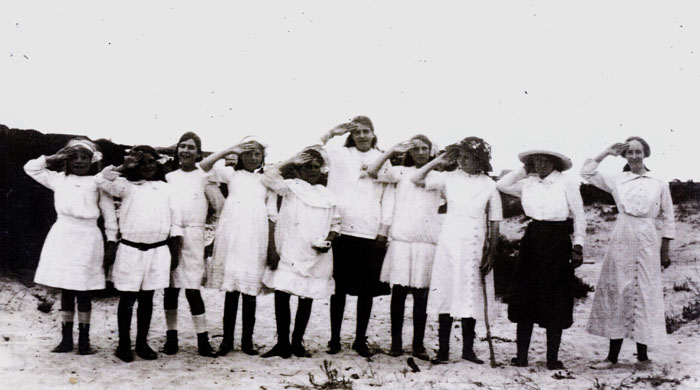 Kommetjie Primary School girls in 1912